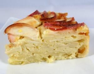 Tranche de gâteau de pommes savoureux